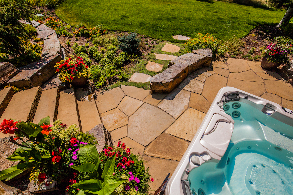 patio walkway and stairs with Jacuzzi