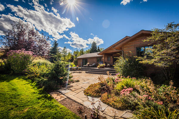 beautiful patio and landscape in Bozeman, MT